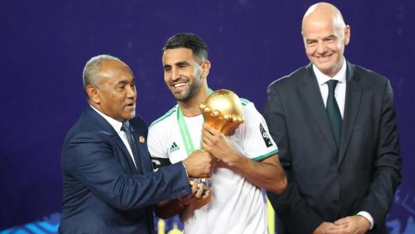 لهذه الأسباب.. محرز أقرب من ماني وصلاح للقب أفضل لاعب أفريقي