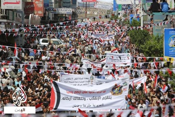 يمنيون: سيظل الـ26 من سبتمبر وهج الثورة وروح الجمهورية