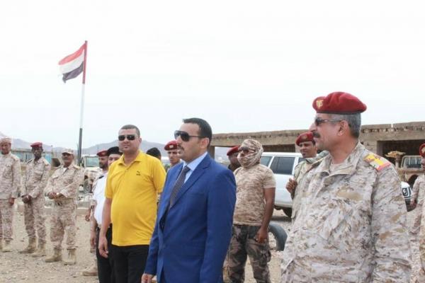 مسلحون تدعمهم الإمارات يقتحمون مركز شرطة في سقطرى