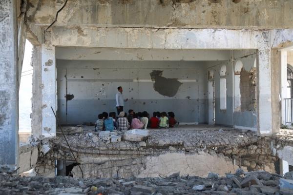 الصليب الأحمر: الطفولة في اليمن أصبحت مخنوقة بسبب الصراع وضياع جيلا بأكمله (ترجمة)