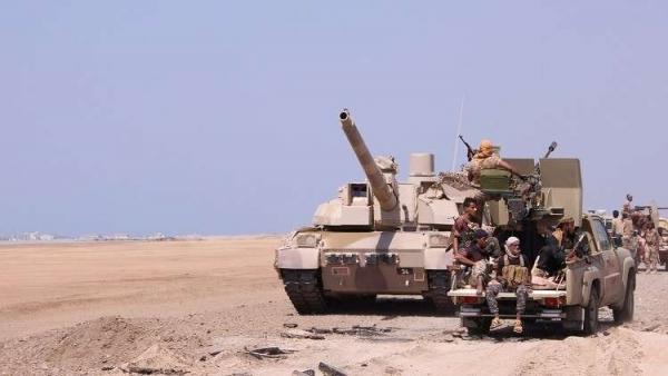 قتلى وجرحى من الحوثيين في حجة.. والجماعة تفجر جسرا حيويا في الضالع