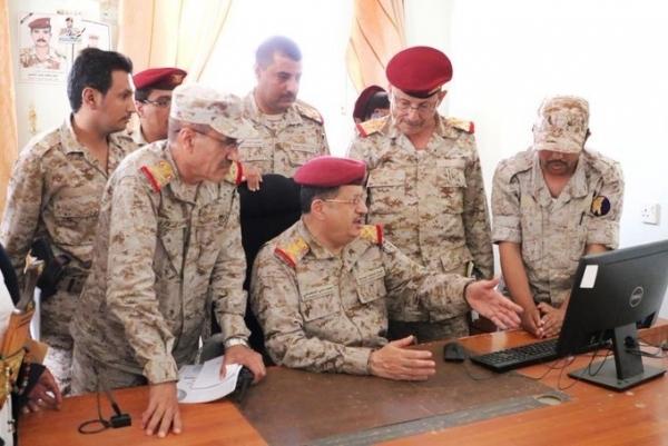 الهجوم على وزارة الدفاع في مأرب.. ما دلالات ذلك ومن يقف وراءه؟ (تقرير)