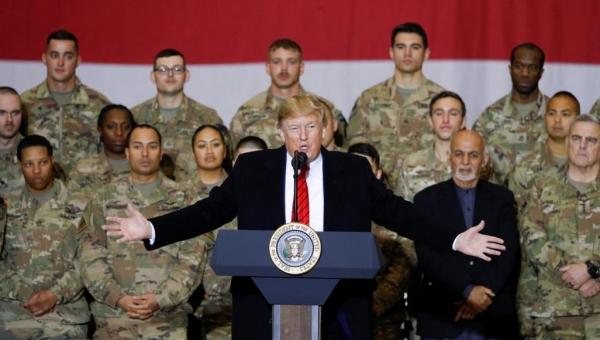 خلال زيارة سرية لأفغانستان.. ترامب يعلن استئناف مفاوضات السلام مع طالبان