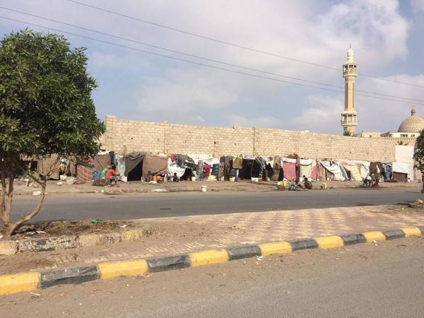 الصليب الأحمر: 83% من نازحي اليمن من النساء والأطفال