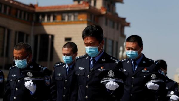 كورونا.. الصين تنكس أعلامها حدادا وأميركا تسجل ارتفاعا قياسيا بالوفيات
