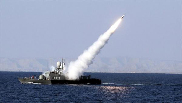 صاروخ كروز أطلق خطأ.. نيران صديقة تقتل وتصيب العشرات من قوات البحرية الإيرانية
