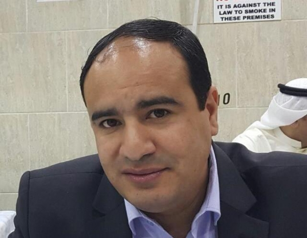 صحفي يتهم مسؤولين في الشرعية بإدارة صفقة فساد واستغلال جائحة كورونا