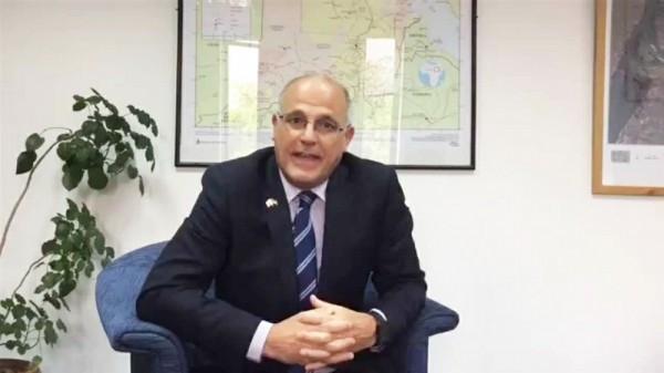 السفير البريطاني يطالب بالإفراج العاجل عن الصحفي توفيق المنصوري