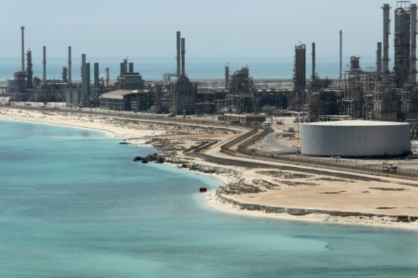 أويل برايس: حرب الأسعار كبدت السعودية 12 مليار دولار