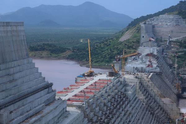 """إثيوبيا تنفي بدء ملء سد النهضة وواشنطن تريد اتفاقا """"منصفا"""" يحفظ مصالح مصر والسودان"""