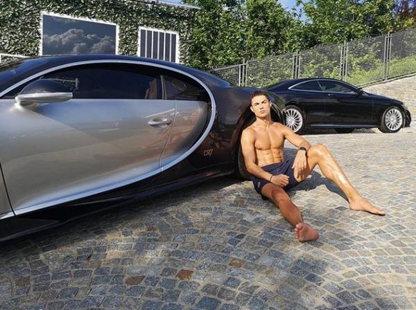 رونالدو يحتفل بلقب الدوري الإيطالي بشراء سيارة ويخت بـ18 مليون دولار