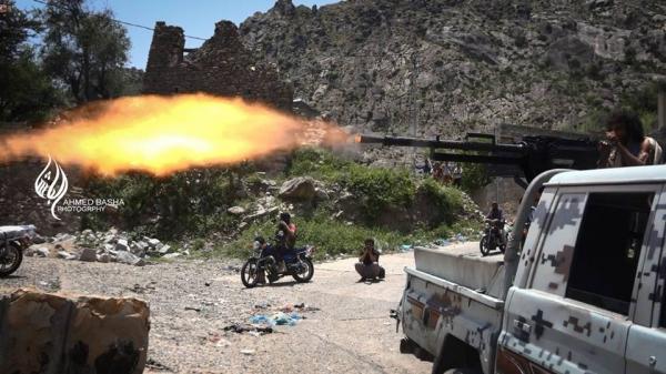 تعز.. مقتل وإصابة 13 حوثيًا في مواجهات مع قوات الجيش