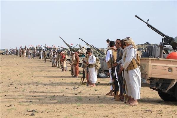 """""""كارينجي"""" يرجح أن تتمكن القوات الحكومية من صد حملة الحوثيين على مأرب"""