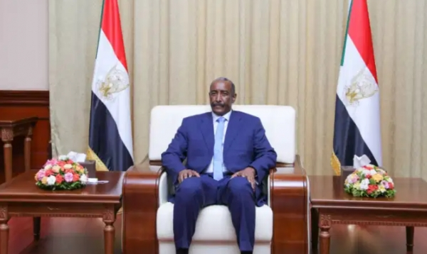 البرهان قال إن هناك فرصة يجب اغتنامها لرفع السودان من قائمة الإرهاب.. حمدوك: التطبيع يحتاج نقاشا مجتمعيا