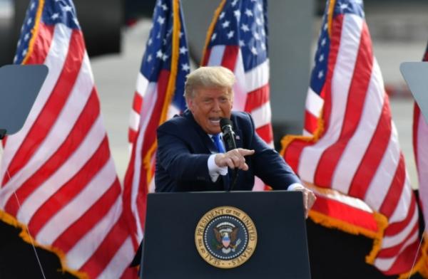 ترامب يهاجم سيناتورا جمهوريا حذّر من