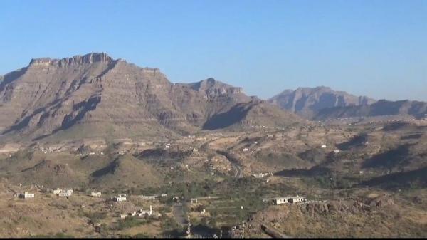 الطريق العام الرابط بين الضالع وإب لا يزال مغلقا بسبب تعنت الحوثيين