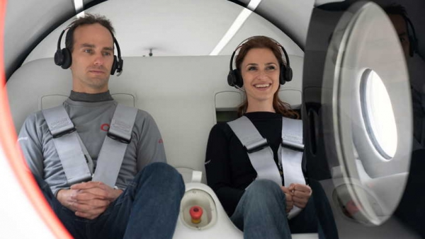 """أسرع مرتين من الطائرة.. نجاح أول تجربة لكبسولة """"هايبرلوب"""" تحمل ركابا"""