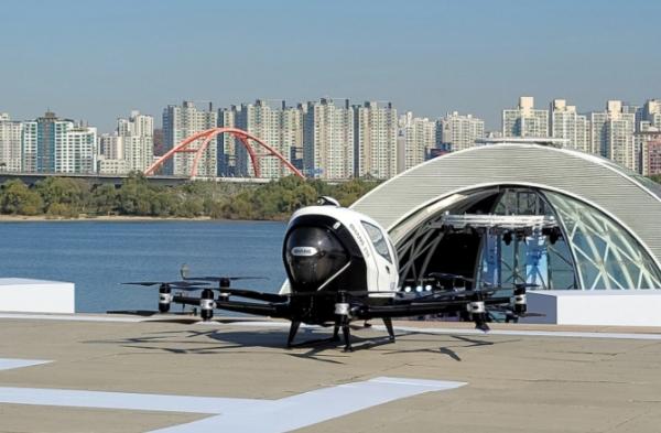في أول رحلة تجريبية.. التاكسي الطائر يحلق في سماء سول