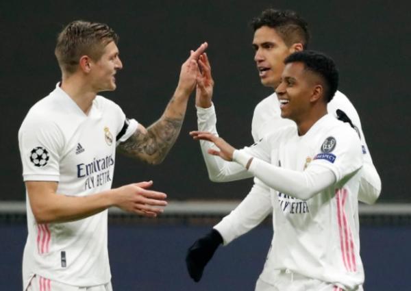 دوري الأبطال.. ريال مدريد يقترب من ثمن النهائي وأتلانتا يصعق ليفربول بعقر داره
