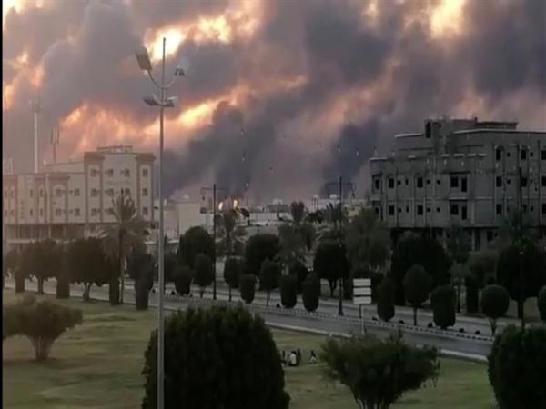 جماعة الحوثي تؤكد استمرارها في قصف العمق السعودي