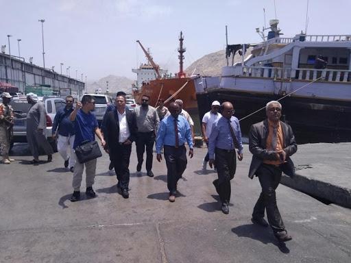 وفد أممي ينفذ نزولا ميدانيا لبحث احتياجات مؤسسة موانئ البحر العربي بالمكلا