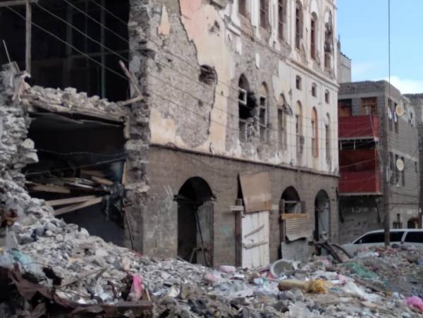 ملّاك المساكن المدمرة بعدن.. مشردون في العراء بين تجاهل السعودية وإهمال الحكومة (تقرير)
