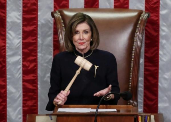 """تجاوز """"فيتو"""" ترامب لأول مرة.. مجلس النواب الأميركي يمرر مشروع قانون موازنة الدفاع"""