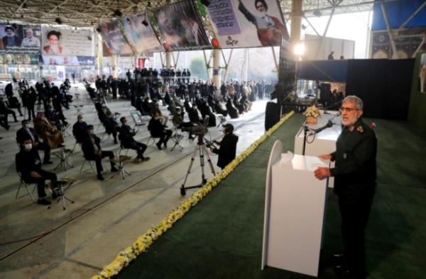 عشية ذكرى اغتيال سليماني.. طهران تعتبر تحركات واشنطن بالمنطقة مريبة وتجدد التهديد بالانتقام