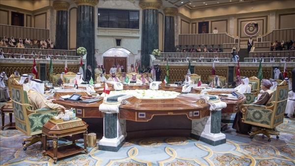 """قادة الخليج يوقعون البيان الختامي للقمة و""""بيان العلا"""""""