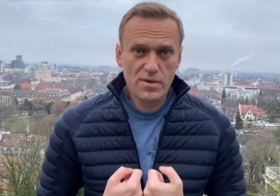 رغم التهديدات باعتقاله.. المعارض الروسي نافالني يعتزم العودة لبلاده اليوم