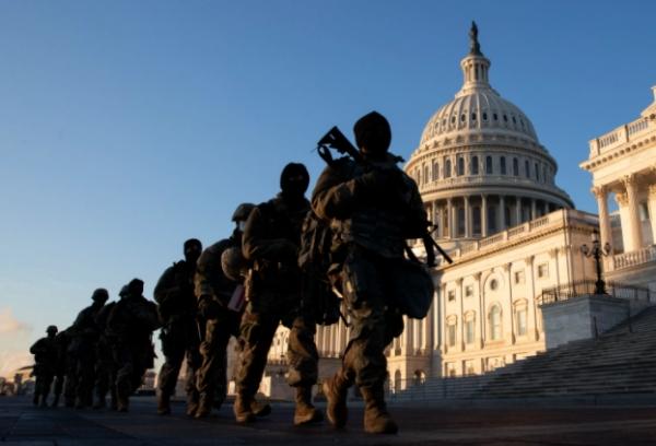 الولايات الأمريكية تتخذ إجراءات أمنية غير مسبوقة تحسبا لمظاهرات مسلحة