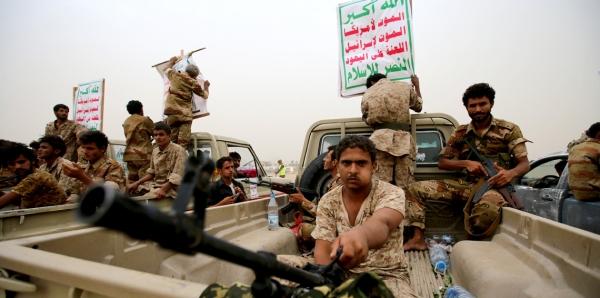 عمران.. جماعة الحوثي تقتحم منزل شيخ قبلي وتختطف أربعة من أبنائه