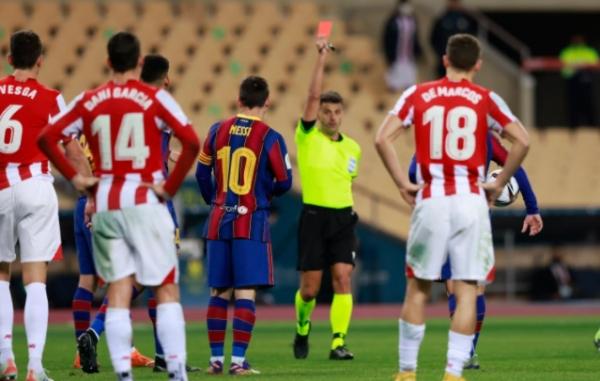 الإعلان عن عقوبة ميسي بعد أول طرد في تاريخه مع برشلونة