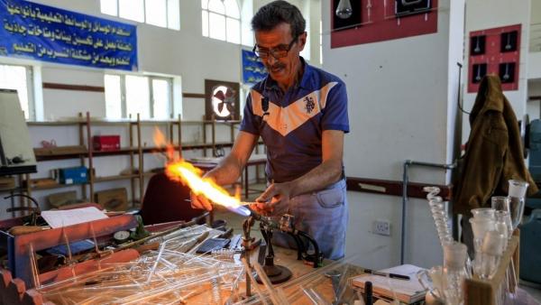 صناعة الزجاج في اليمن.. ثروة مهدورة