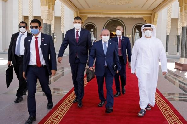 إسرائيل تفتتح سفارتها في أبو ظبي وإدارة بايدن تقرر استثمار اتفاقيات التطبيع