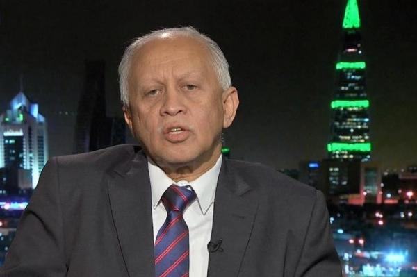 دبلوماسية غائبة.. تصريحات سفير اليمن في فرنسا تستفز اليمنيين (رصد)