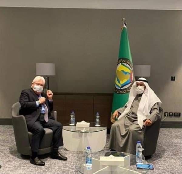 أمين عام التعاون الخليجي يدعو المجتمع الدولي للضغط على الحوثيين للانخراط بالعملية السياسية