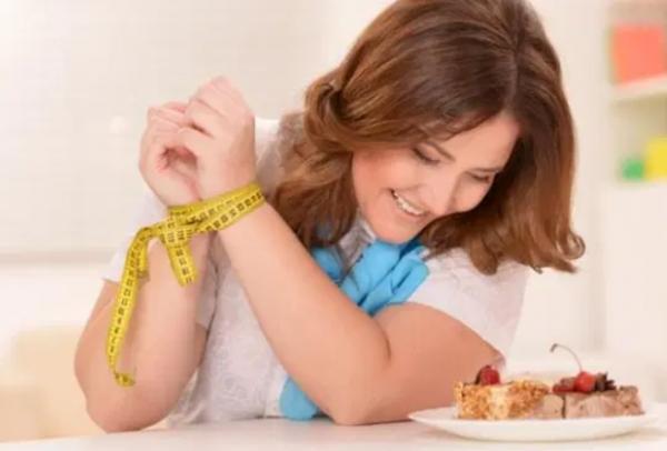 أخطاء وجبة العشاء العشرة.. توقف عنها فورا لتنعم بالصحة والرشاقة