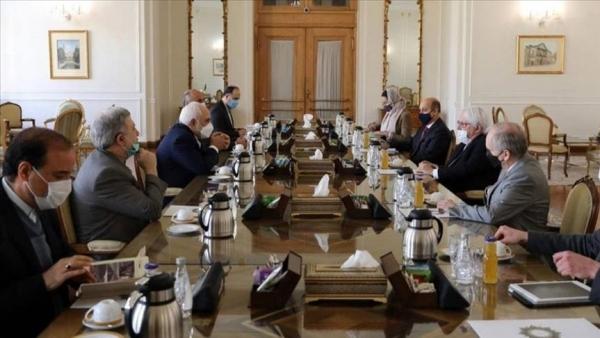 إيران تشترط الاعتراف بحكومة الحوثي لإنهاء الأزمة في اليمن