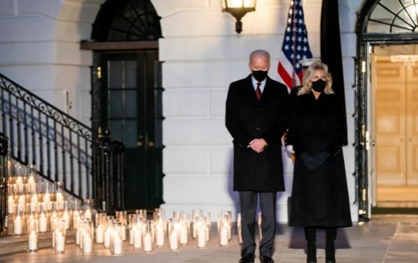كورونا.. بايدن: عدد الوفيات في عام واحد فاق عدد القتلى الأميركيين بالحربين العالميتين وحرب فيتنام
