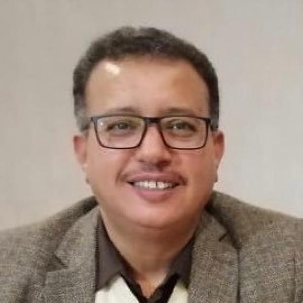 محامي صالح: هادي جهز طلباً لرفع العقوبات عن أحمد علي والأخير رفض تحت ظروف مشبوهة
