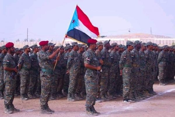 في تعنت واضح إزاء تنفيذ اتفاق الرياض.. الانتقالي يحتفي بتخرج دفعة عسكرية جديدة