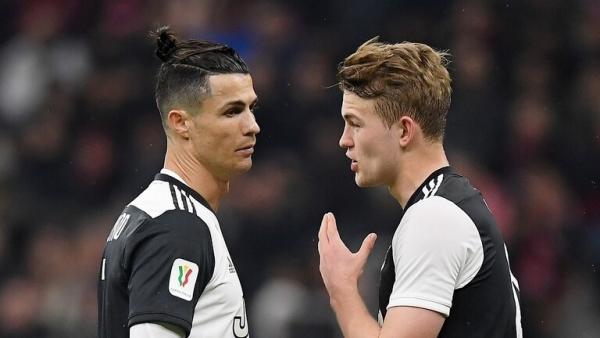 رونالدو قد يتسبب في رحيل الهولندي دي ليخت عن يوفنتوس