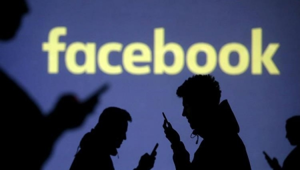 تعطل خدمات فيسبوك وإنستغرام وواتساب عن آلاف المستخدمين
