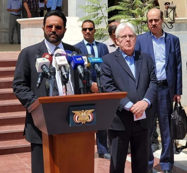 The governor of Ma'rib discusses with the UN envoy a cease-fire
