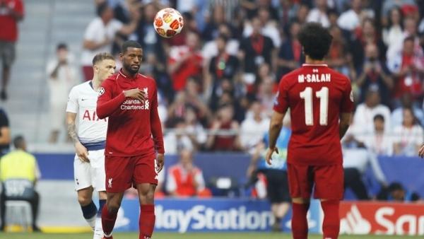 نجم ليفربول يوقع عقدا مبدئيا مع برشلونة