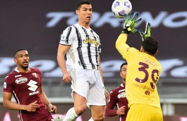 شاهد.. رونالدو ينقذ يوفنتوس من الهزيمة ويبتعد بصدارة الهدافين عن لوكاكو