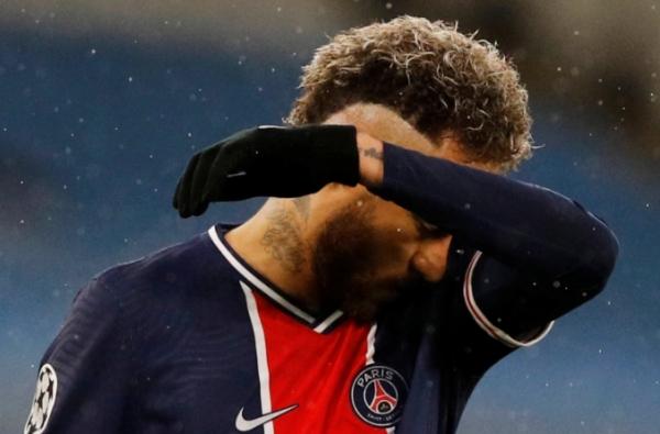 بعد الخروج من نصف نهائي دوري الأبطال.. هجوم حاد من الصحافة الفرنسية على نيمار