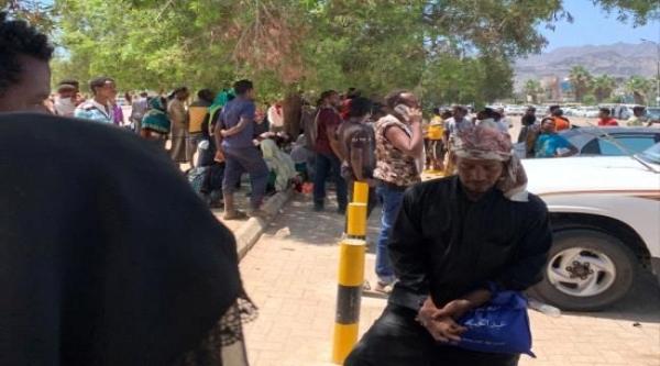 لاجئون أفارقة يشكون تنمر مليشيا الانتقالي بعدن والأخير يمهلهم 12 ساعة