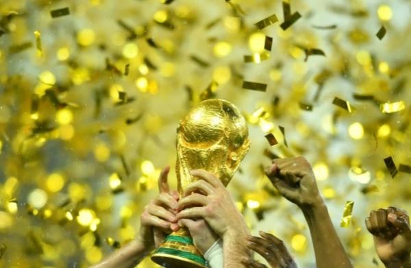 الفيفا يدرس اقتراحا سعوديا بإقامة كأس العالم كل عامين
